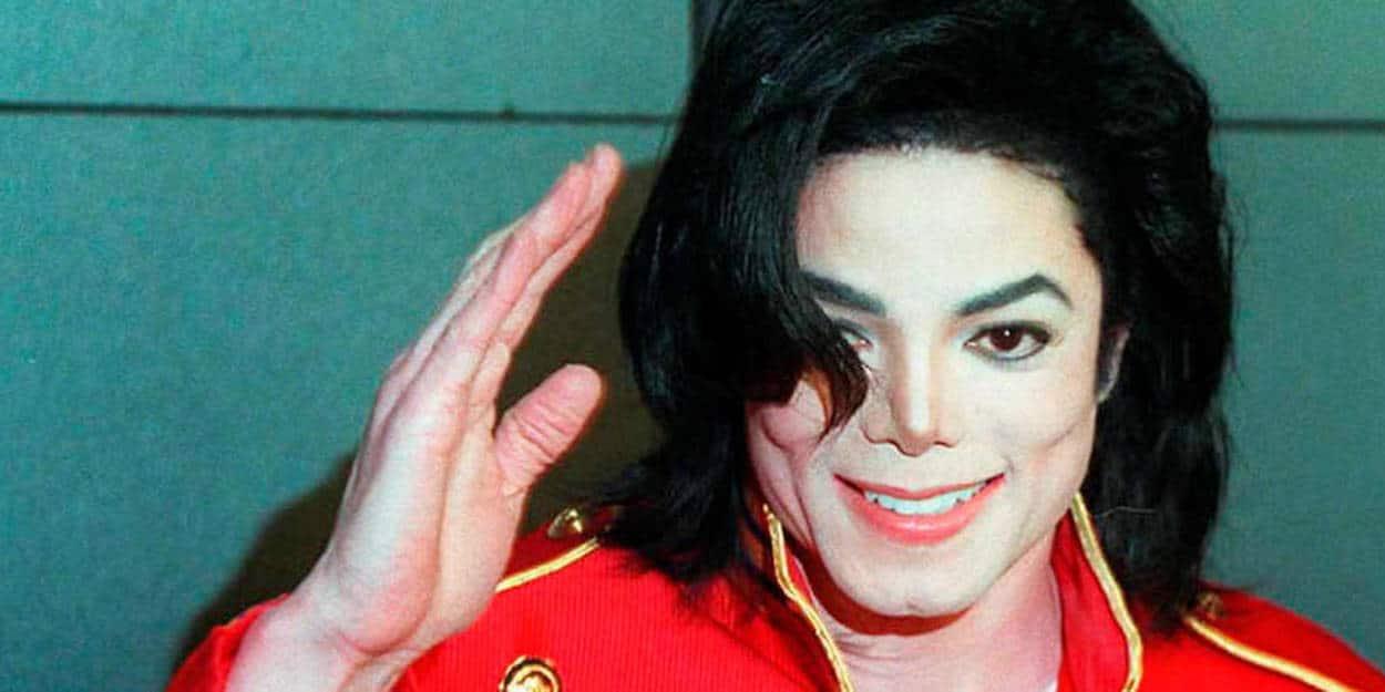 Michael Jackson saluant ses fans