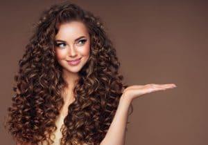 Coiffure : l'aloe vera peut vraiment rendre vos cheveux d'une douceur et beauté incroyables !