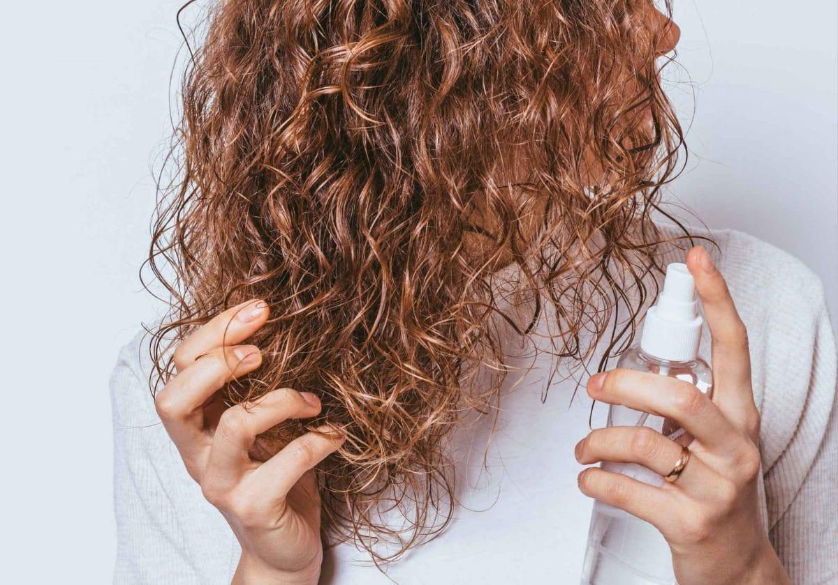 Les astuces faciles et naturelles pour redonner de pep à vos cheveux !