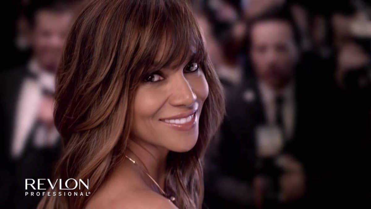 Astuce beauté: les produits de la marque Revlon qui vont rendre vos cheveux plus beaux que jamais!