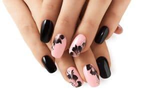 Astuce beauté: Voici la meilleure astuce pour réaliser un nail art en moins de 05 minutes!
