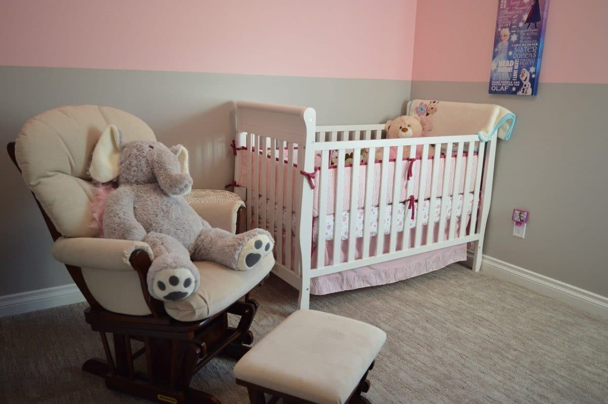 Décoration de chambre pour bébé : voici ce que vous devez savoir avant de vous lancer!
