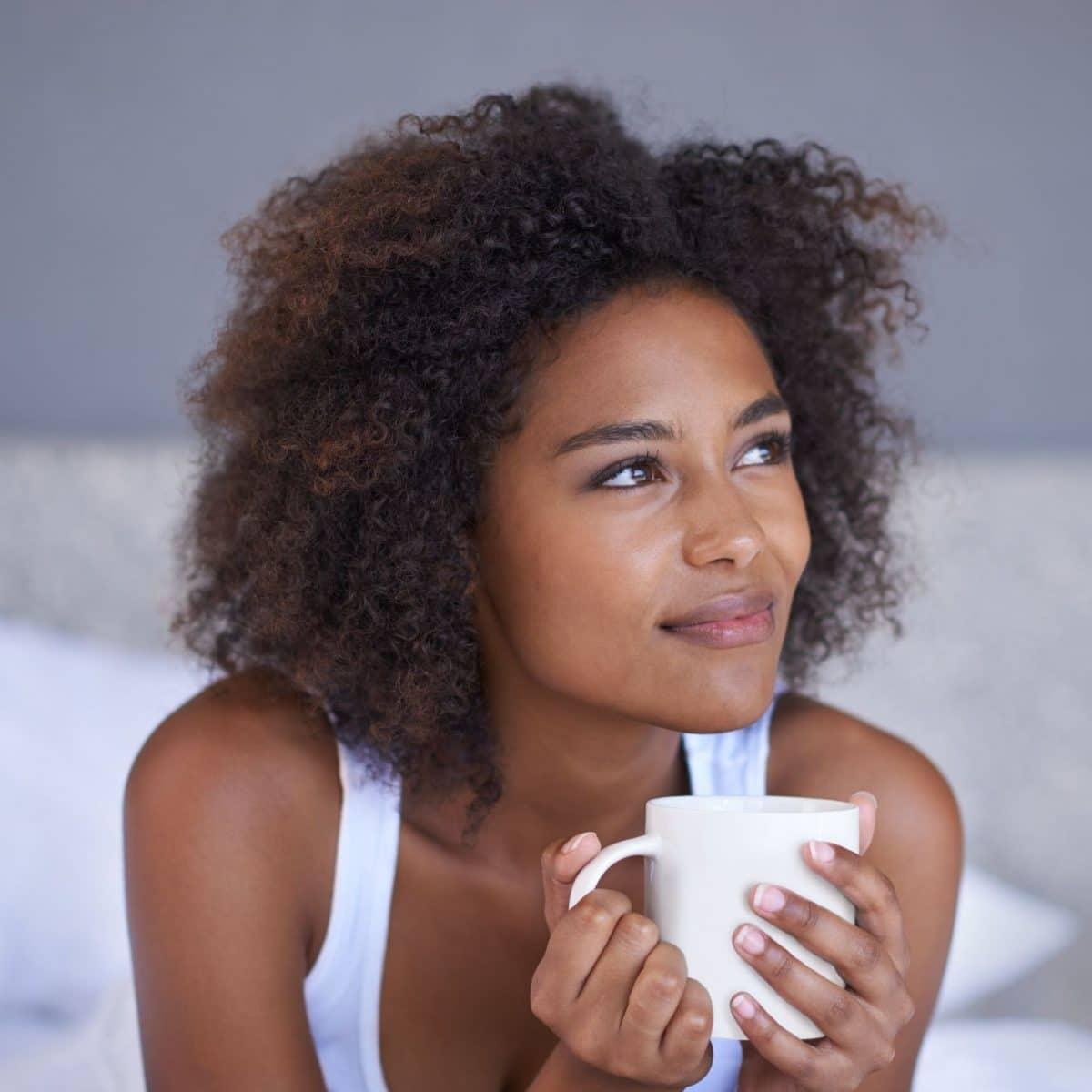 Astuce bien-être : quelles infusions et quels thés boire le soir pour mieux dormir!