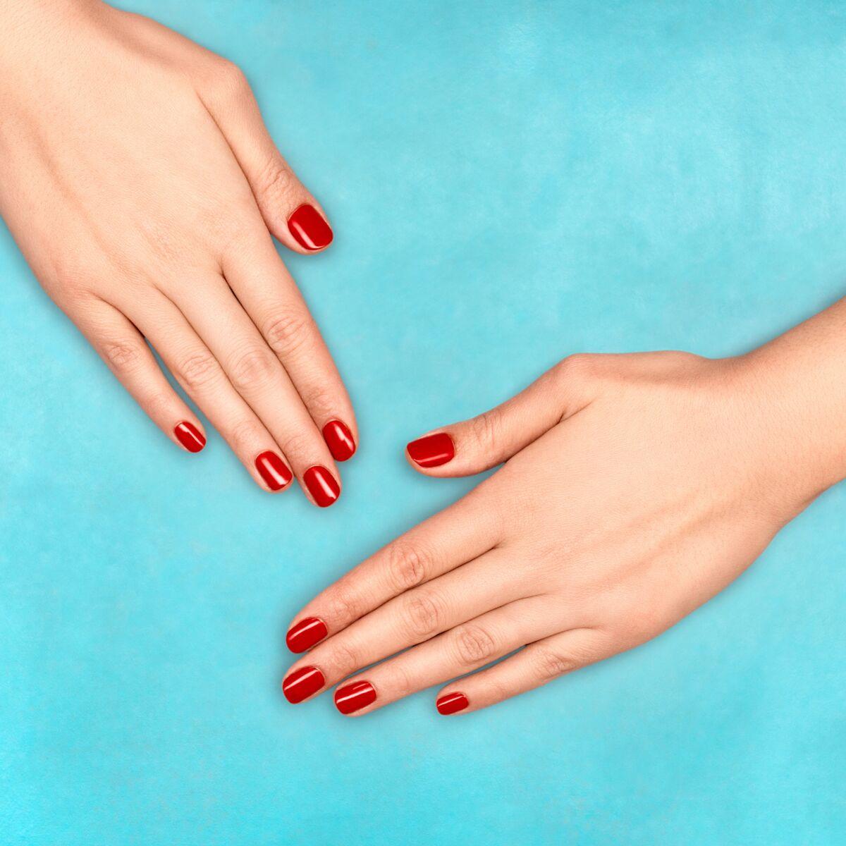 Quels produits utiliser pour faire durer le vernis à ongles plus longtemps ?
